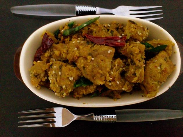 Dudhi Methi na Muthiya (Steamed Bottle gourd and Fenugreek Dumplings)