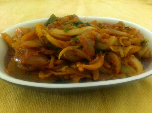 Onion Curry (Pyaaz ki Sabji)