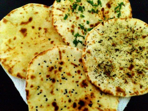 Naan Roti (Naan Bread)